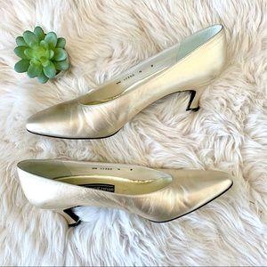 Stuart Weitzman Gold Vintage Heels Sz 8